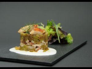 Mil fulls d'albergínia i rogers amb salsa de iogurt de La Fageda
