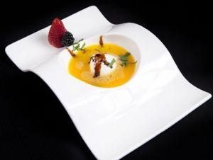 Sopa de taronja amb gelat de iogurt de la fageda i gelée de ratafia