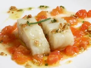 Bacallà amb ceba i tomata de la pera
